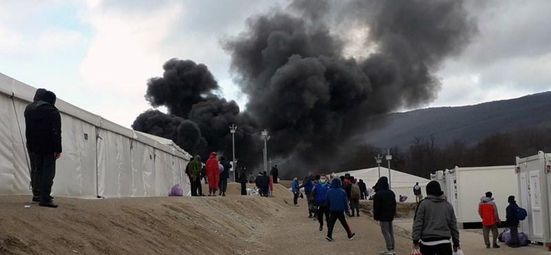 1400 menedékkérő maradt szállás nélkül Boszniában egy tábor bezáratása után