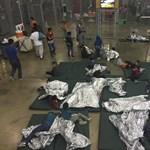 Anyukája szerint az elégtelen ellátás miatt halt meg egy kislány a texasi menekülttáborban