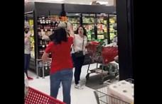 Maszk nélkül ment vásárolni egy amerikai nő, hatalmas botrány lett belőle