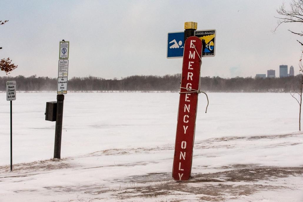 afp.19.01.29. rendkívüli hideg Minneapolisban. Befagyott a Herriet tó