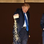 Donald Trump halakat adagolt túl Japánban