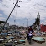 Több száz halottja van a celebeszi földrengésnek – fotók, videók