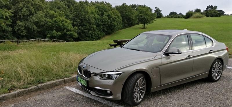 BMW 330e-teszt: hibrid élménygenerátor