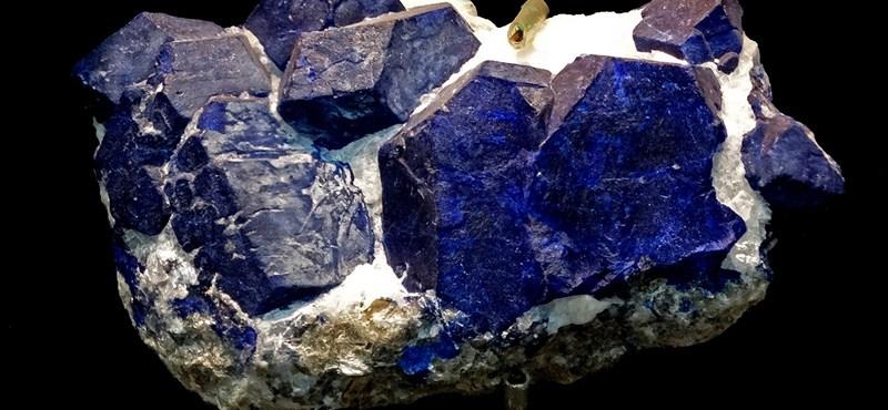 Kék fogköve árulta el a középkor ismeretlen festőnőjét