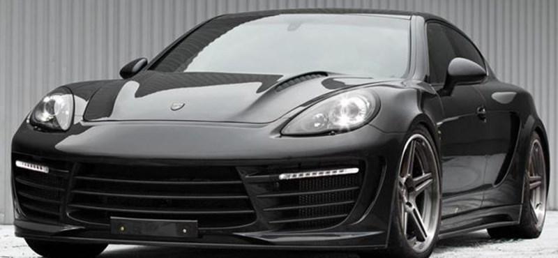 Büntető luxustuning: lila krokodilbőr Porsche, kis arannyal