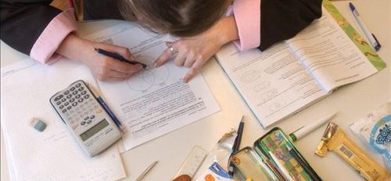 Így puskázhatsz az érettségin: legális segédeszközök, értékes pluszpontok