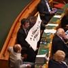A lónak a ... ! - Hadházy Ákos legszaftosabb táblája felhúzta Kövér Lászlót