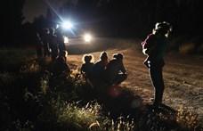 Mexikó 21 ezer egyenruhással teljesíti Trump követelését