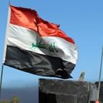 Civileket vittek magukkal élő pajzsnak az Észak-Irakból kiűzött Iszlám Állam-tagok