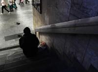 27 hajléktalant figyelmeztettek a rendőrök a betiltás első napján