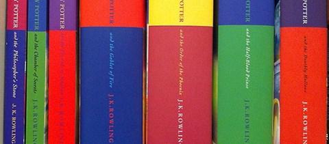Ennyit ér J. K. Rowling széke, amin ülve a Harry Pottert írta