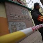 Nyolc kínai diákot leszúrt egy ámokfutó a tanév első napján