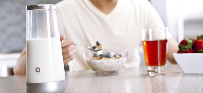 Üzenetet küld a kancsó, ha romlott a tej [videóval]