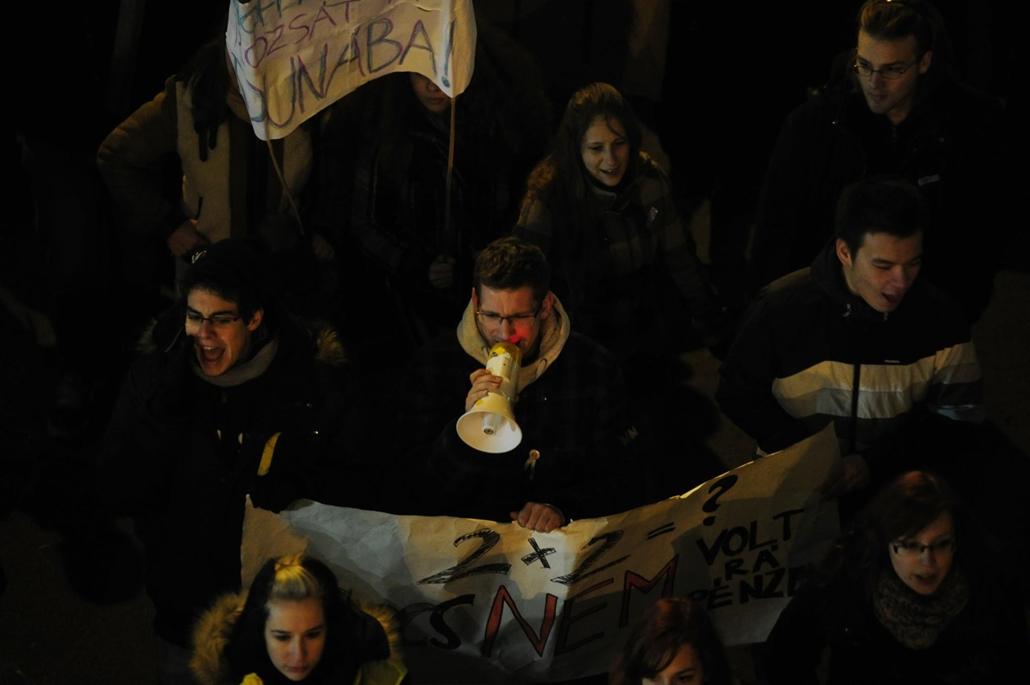 diáktüntetés, vonulás, 2012.12.19.