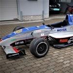 Formula-versenyautókat vehet a NAV árverésén
