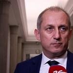 Botrányba keveredett, lemondott a legnagyobb lengyel ellenzéki párt frakcióvezetője