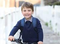 Lajos herceg 3 éves lett, és a legújabb fotón már biciklizik