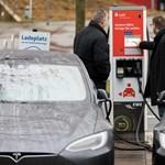 Nem kérdés, hogy a jövő az elektromos autóké, de az áttörésig még kell vagy húsz év