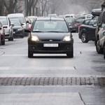 Péntektől ingyenes a parkolás idén Budapesten, kivéve ezeket a helyeket