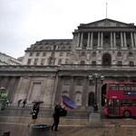 Vészkamatvágással mentenék meg a brit gazdaságot