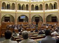 Varju László mentelmi eljárásával indul a Parlament őszi ülésszaka