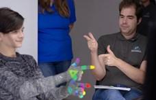 15 gyerek már kipróbálhatta a menő magyar technológiát, amely valós időben fordítja a jelnyelvet