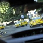 Készüljön rá, hogy óriási késéssel érkezik a taxis