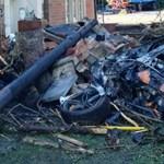 Hihetetlen, de a balesetezett szupersportkocsi utasai karcolásokkal megúszták