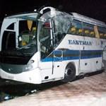 Egyiptomi buszbaleset: elindult a katonai gép a halottakért