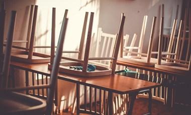 Itt vannak az adatok: több ezer munkavállaló hiányzik az oktatásból