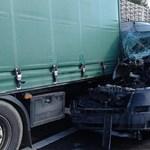 Kamion és teherautó ütközött az M5-ösön