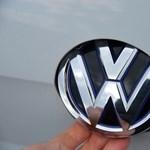 A Volkswagen-csoport előhúzott 442 000 000 000 forintot a kalapból, és nagyon jó dologra költik