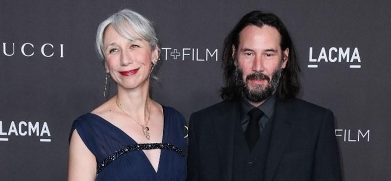 Helen Mirren nagyon hízelgőnek találta, hogy összekeverték Keanu Reeves barátnőjével