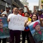 Forrong Venezuela is: 3000 ejtőernyőst vezényelt ki a kormány