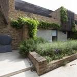 Akasztják a hóhért: letisztult formák az angol építész lakásában