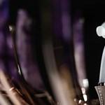 A Rolls-Royce-nál tényleg elgurult valami: Fabergé tojásba bújt az emblémájuk
