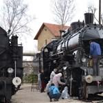 Kigyulladt egy vonat a Vasúttörténeti Parkban
