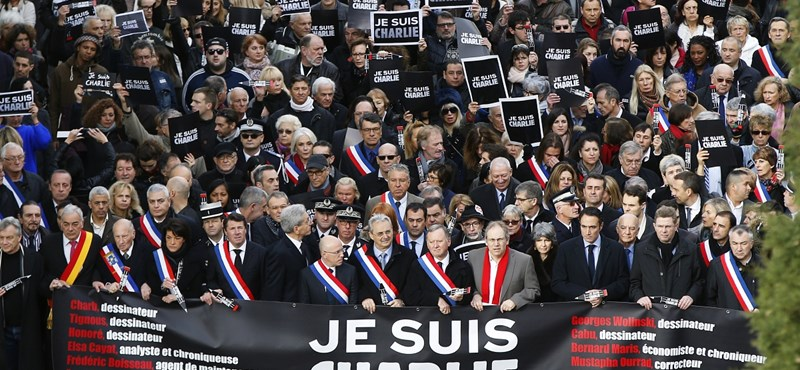 Ma 700 ezer francia vonult az utcákra, holnap még többet várnak