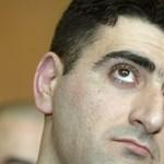 Tagadja a kormány, hogy pénzért adták volna ki az azeri baltás gyilkost