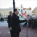 Vona: Orbán lövetni is fog?