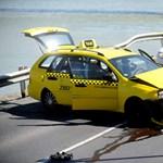 Filmbe illő taxisüldözés volt kora délután Budapesten - fotók