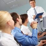Ki lesz 2011 informatikai oktatója?