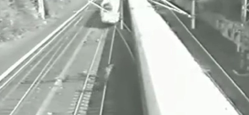 El lehet-e ugrani 5 másodperc alatt két száguldó vonat elől? - videó
