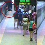Rémálom a római metróban: karjánál fogva rántott magával egy embert a metró – videó