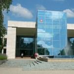 Állami Számvevőszék: Jól vizsgázott gazdálkodásból három egyetem