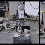 Ez a két robot már majdnem olyan ügyesen sétálgat, mint egy ember