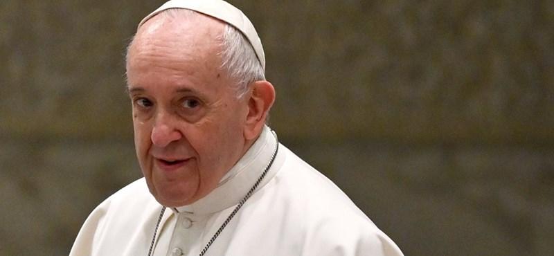 Ferenc pápa elítélte azokat, akik külföldre utaztak szórakozni karantén idején