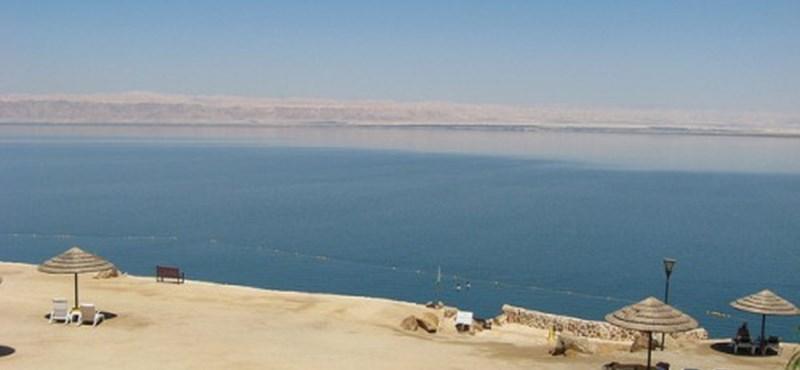 Van élet a Holt-tengerben