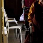 66 gondozott koronavírusos egy nógrádi idősotthonban, családjuknak állítólag senki sem szólt