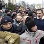 Putyinék kaján vigyorral szemlélik korábbi ellenségük látványos cirkuszát